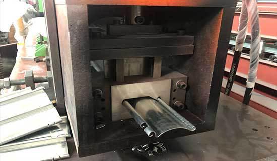 دستگاه-کرکره-برقی-گالوانیزه